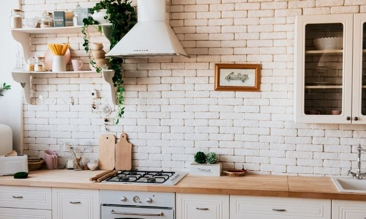 Kitchen cleaning hacks: Make your cleaning experience a cakewalk!